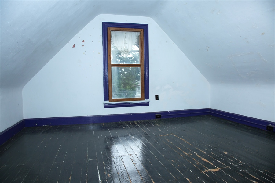 Real Estate Photography - 215 N Cass St, Middletown, DE, 19709 - And another room in loft