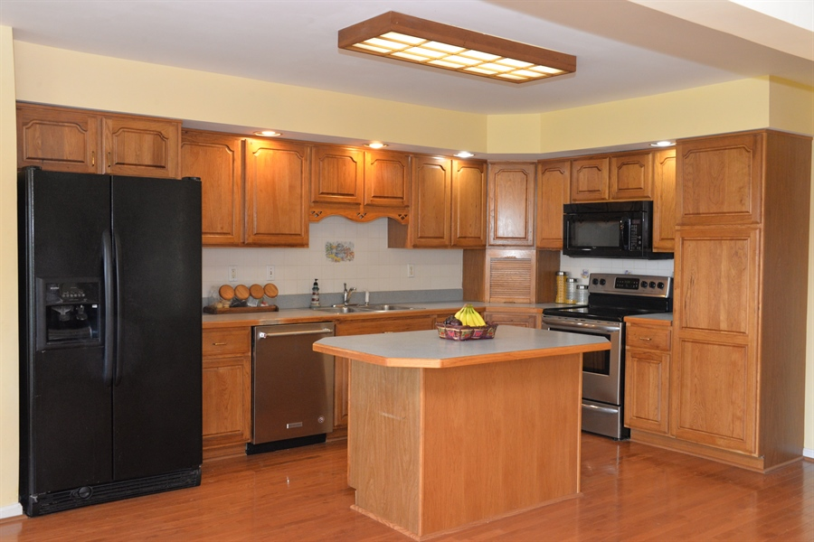 Real Estate Photography - 142 Willow Oak Ct, Elkton, MD, 21921 - Kitchen
