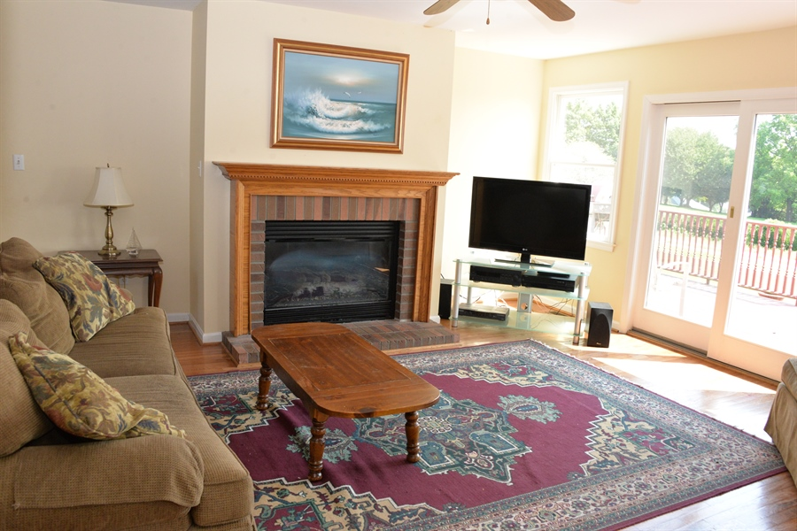 Real Estate Photography - 142 Willow Oak Ct, Elkton, MD, 21921 - Propane Fireplace