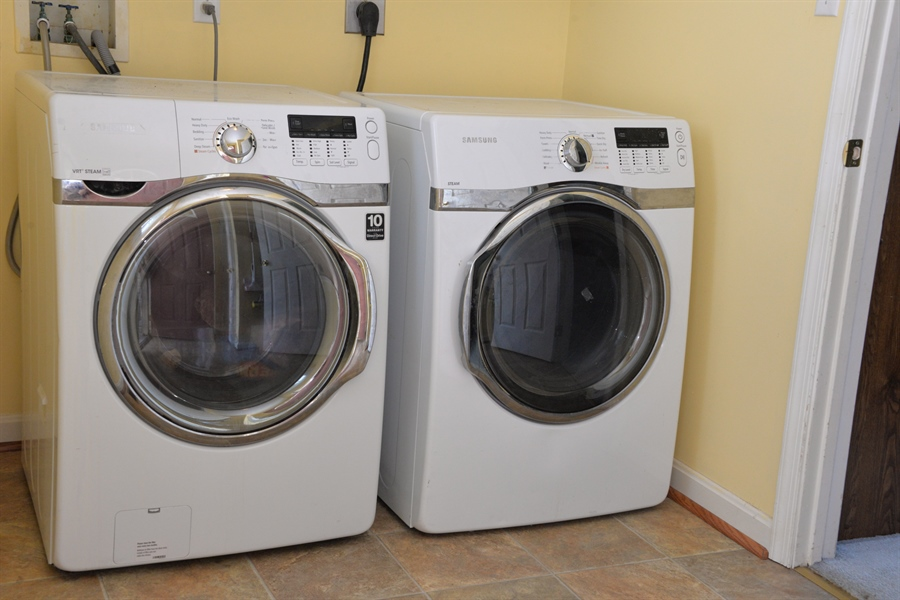 Real Estate Photography - 142 Willow Oak Ct, Elkton, MD, 21921 - Washer/Dryer Included