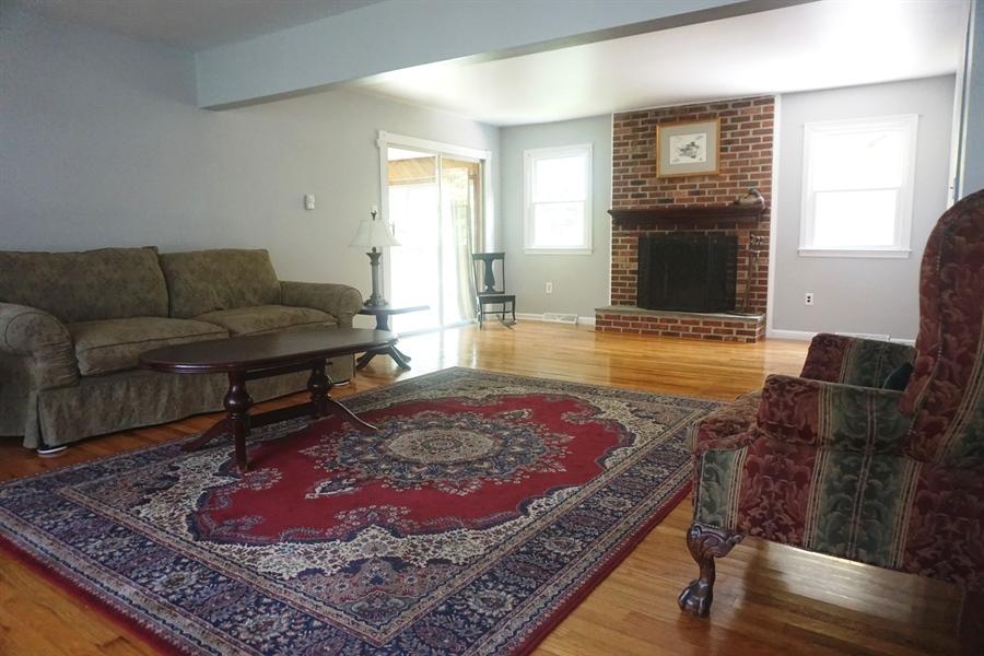 Real Estate Photography - 5 Embry Ct, Newark, DE, 19711 - Living Room