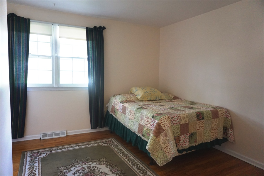 Real Estate Photography - 5 Embry Ct, Newark, DE, 19711 - Bedroom 2