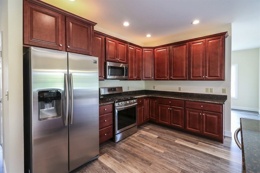 Real Estate Photography - 164 Laks Ct, Smyrna, DE, 19977 - Stainless steel appliances