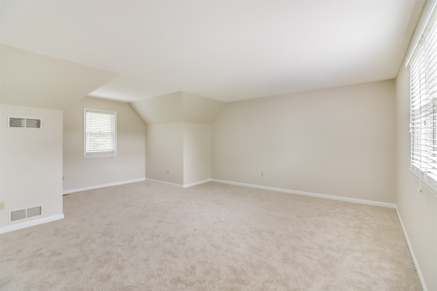 Real Estate Photography - 101 Great Oak Dr, Lincoln University, PA, 19352 - Location 15