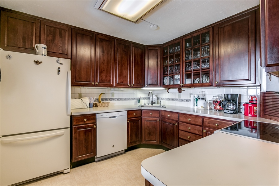 Real Estate Photography - 1401 Pennsylvania Avenue #1512, 1512, Wilmington, DE, 19806-4117 - Another Kitchen View