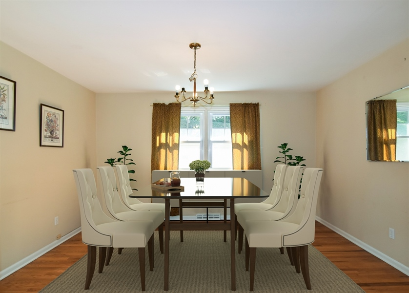 Real Estate Photography - 2806 Fawkes Dr, Wilmington, DE, 19808 - Dining room