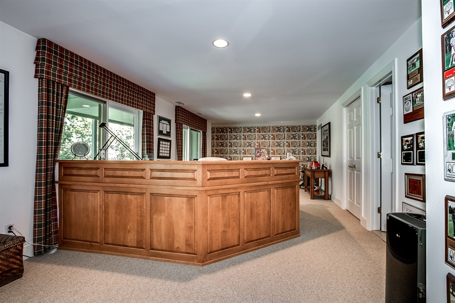 Real Estate Photography - 7 Brandywine Falls Rd, Wilmington, DE, 19806 - Early Autumn