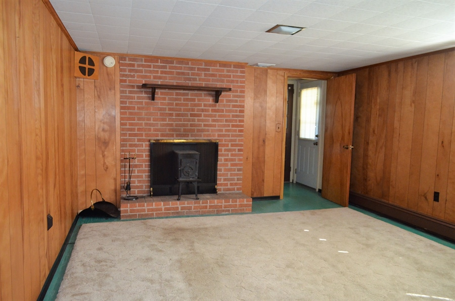 Real Estate Photography - 103 Admiral Dr, Wilmington, DE, 19804 - WoodStove in Family Room