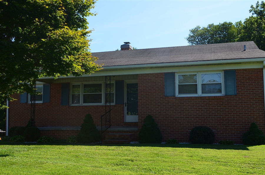 Real Estate Photography - 103 Admiral Dr, Wilmington, DE, 19804 - Welcome Home!