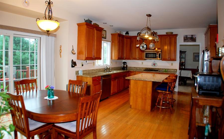 Real Estate Photography - 117 Cavender Ln, Landenberg, PA, 19350 - Kitchen w/ Breakfast Area