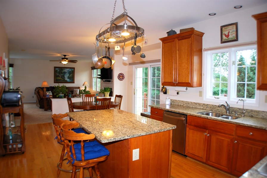 Real Estate Photography - 117 Cavender Ln, Landenberg, PA, 19350 - Granite Counters and Oak Floors