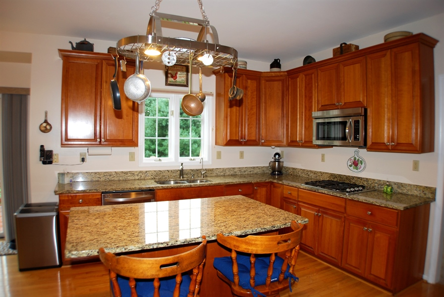 Real Estate Photography - 117 Cavender Ln, Landenberg, PA, 19350 - Center Island with Breakfast Ledge