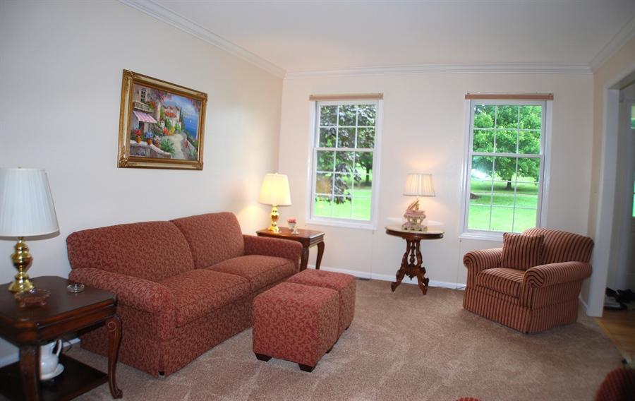 Real Estate Photography - 117 Cavender Ln, Landenberg, PA, 19350 - Formal Living Room