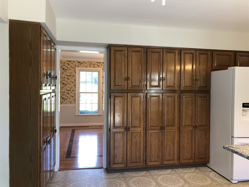 Real Estate Photography - 43 Pierson Dr, Hockessin, DE, 19707 - Lots of cabinetry and storage space
