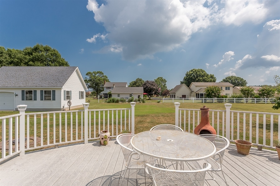 Real Estate Photography - 316 Pond Rd, Millsboro, DE, 19966 - Back deck
