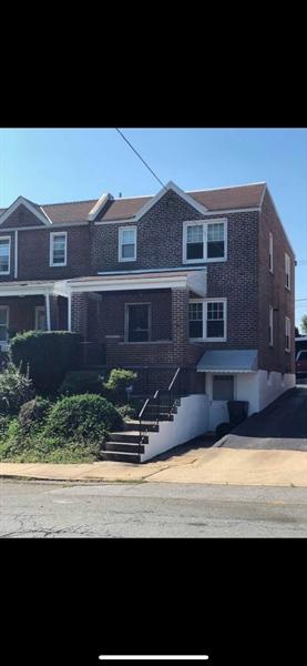 Real Estate Photography - 1510 Linden St, Wilmington, DE, 19805 - Location 1