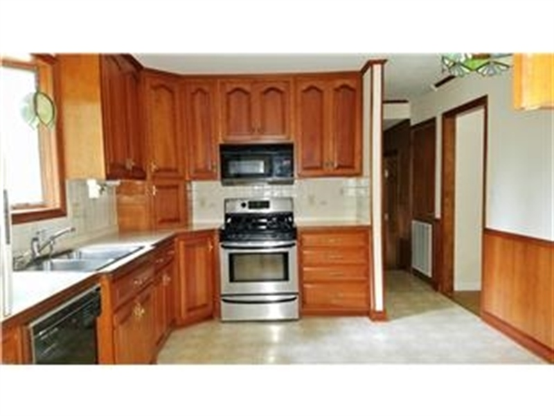 Real Estate Photography - 4012 Greenmount Dr, Wilmington, DE, 19810 - Large updated eat-in kitchen