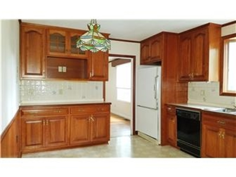 Real Estate Photography - 4012 Greenmount Dr, Wilmington, DE, 19810 - Kitchen offers plenty of cabinet & storage space