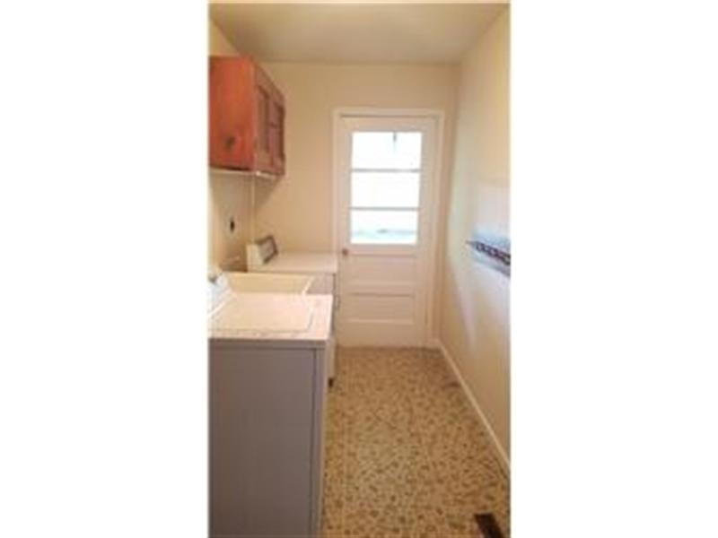 Real Estate Photography - 4012 Greenmount Dr, Wilmington, DE, 19810 - First Floor Laundry Room