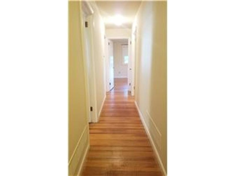 Real Estate Photography - 4012 Greenmount Dr, Wilmington, DE, 19810 - Upstairs Hallway