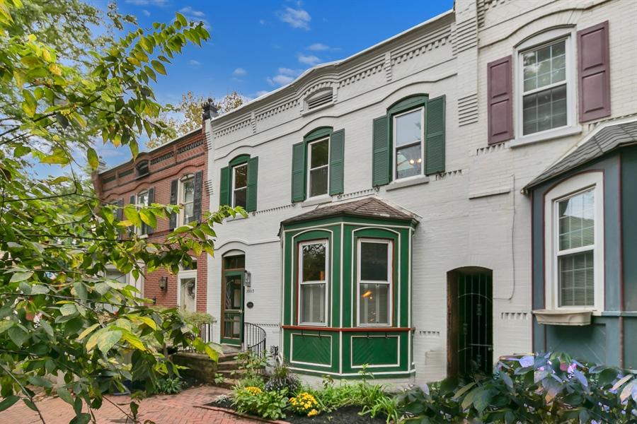 Real Estate Photography - 1003 Trenton Pl, Wilmington, DE, 19801 - Recently Painted Exterior