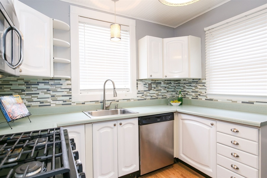 Real Estate Photography - 302 Birmingham Ave, Wilmington, DE, 19804 - Kitchen