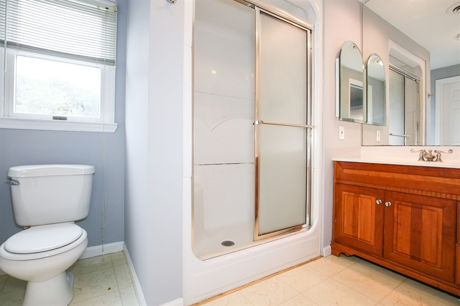 Real Estate Photography - 302 Birmingham Ave, Wilmington, DE, 19804 - Full Bath 2nd floor