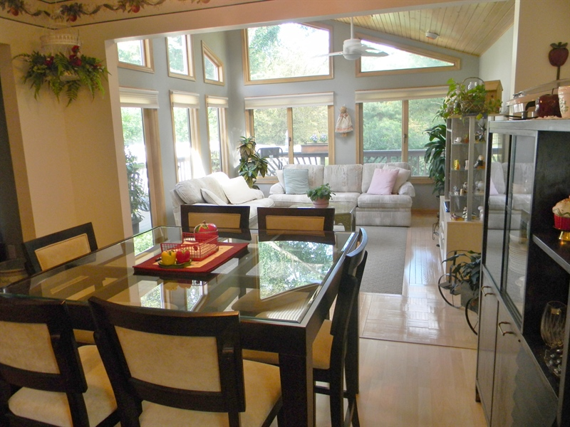 Real Estate Photography - 480 Little Egypt Rd, Elkton, MD, 21921 - DINING AREA, SUN ROOM