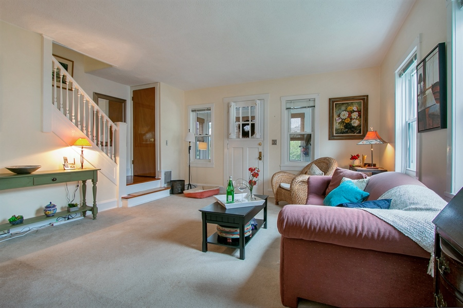 Real Estate Photography - 433 S Bancroft Pkwy, Wilmington, DE, 19805 - Light & Bright Living Room