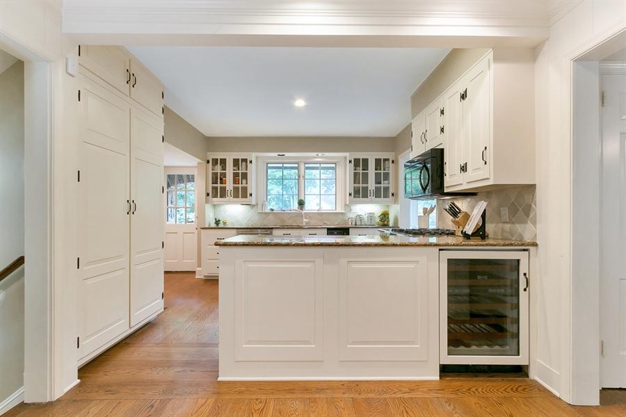 Real Estate Photography - 915 Westover Rd, Wilmington, DE, 19807 - Kitchen