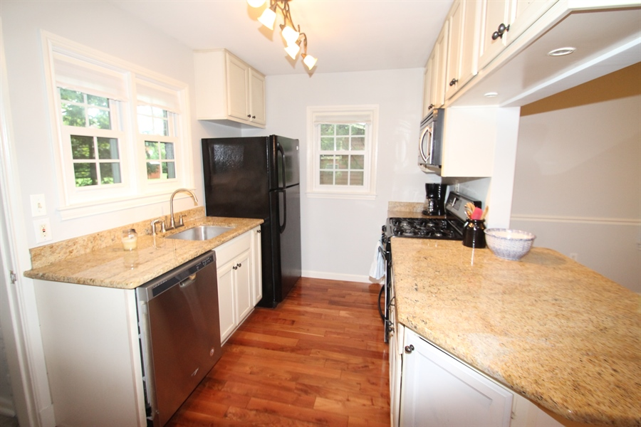 Real Estate Photography - 436 Orchard Rd, Newark, DE, 19711 - Kitchen