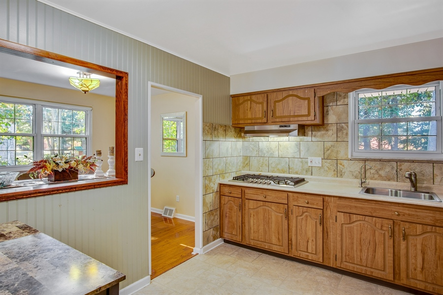 Real Estate Photography - 2604 Bittersweet Dr, Wilmington, DE, 19810 - Kitchen