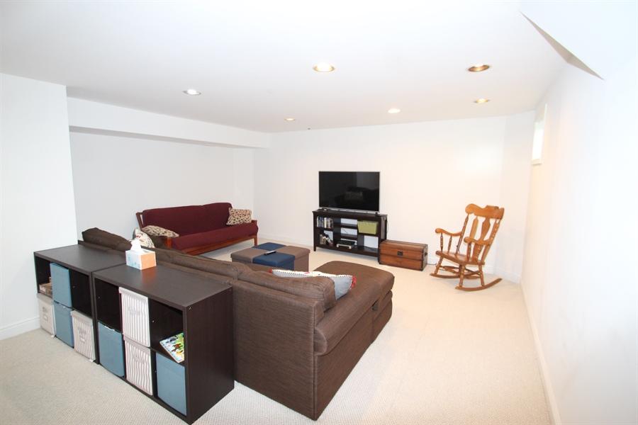 Real Estate Photography - 301 Lynley Ln, Newark, DE, 19711 - Family Room
