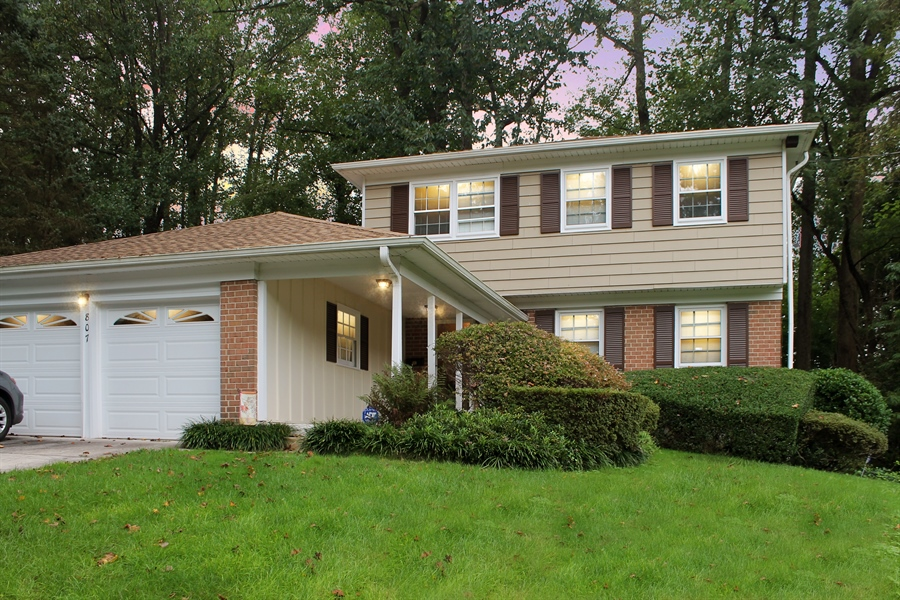 Real Estate Photography - 807 N Country Club Dr, Newark, DE, 19711 - Location 1