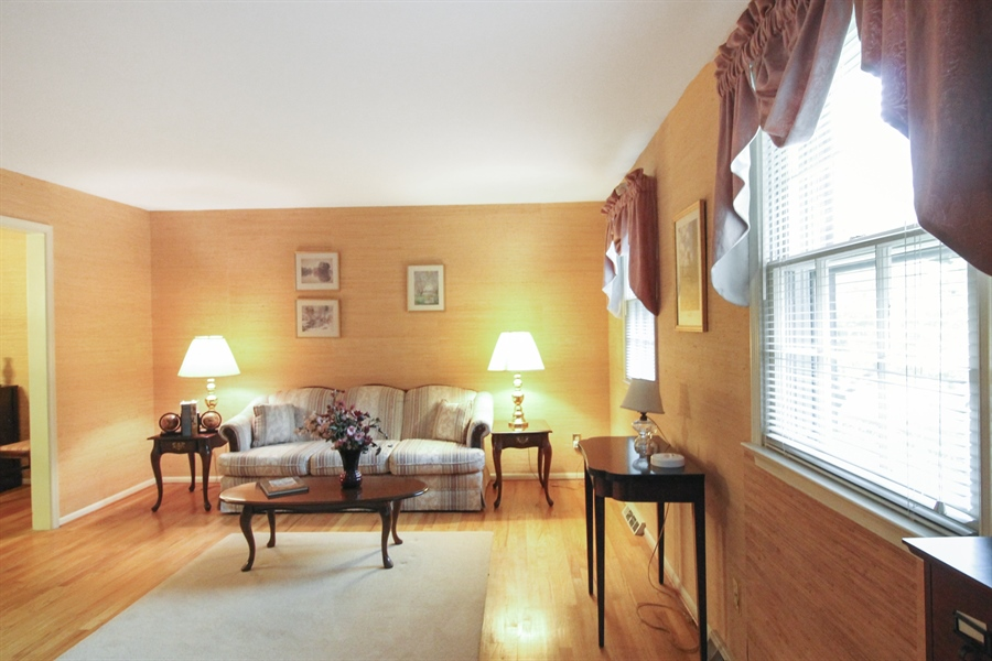 Real Estate Photography - 807 N Country Club Dr, Newark, DE, 19711 - Location 2