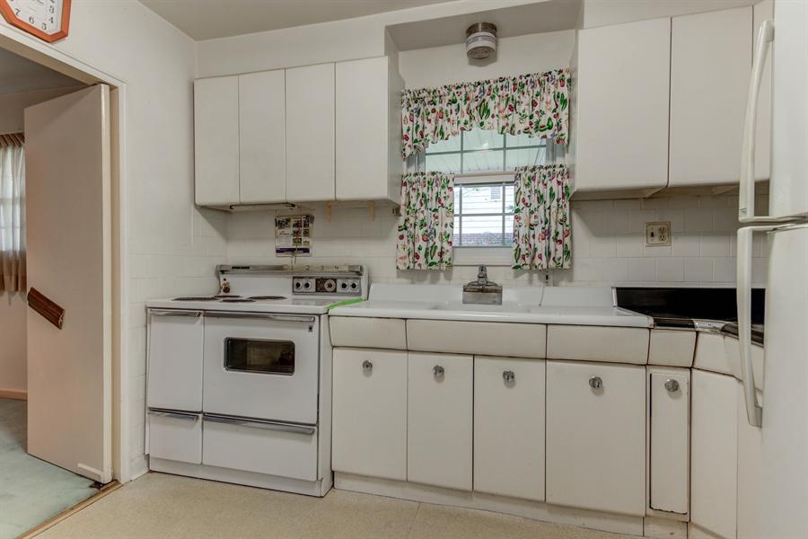 Real Estate Photography - 108 Bette Rd, Wilmington, DE, 19803 - Location 9