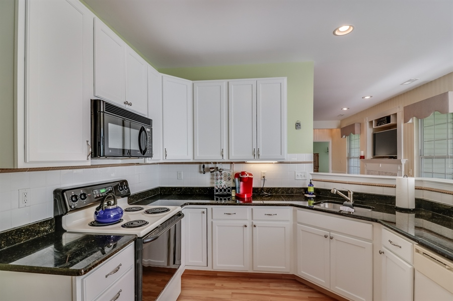 Real Estate Photography - 104 Dawn Ct, Middletown, DE, 19709 - Kitchen