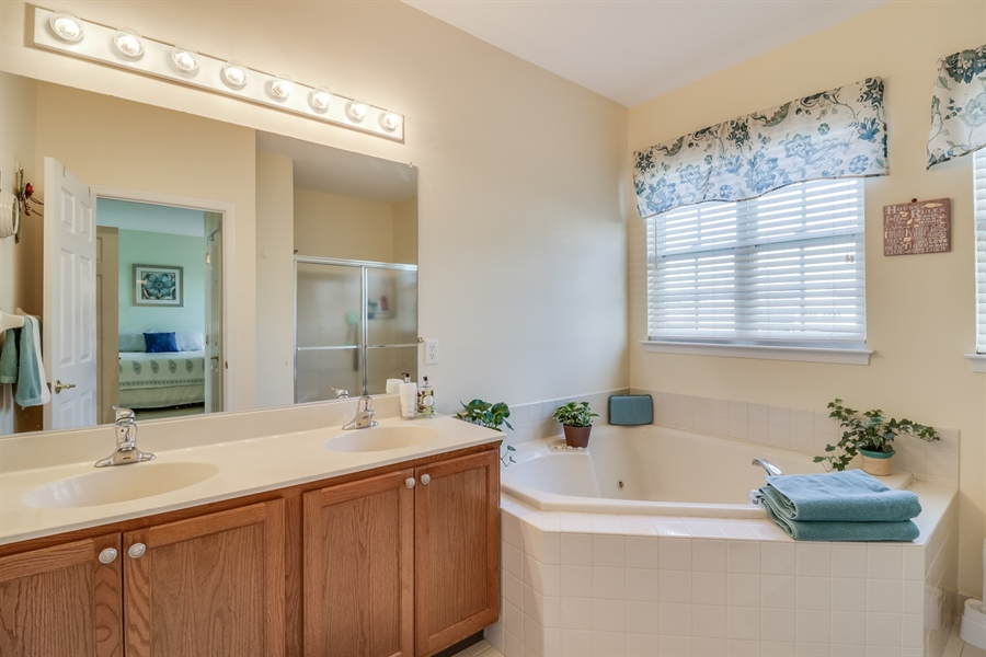 Real Estate Photography - 104 Dawn Ct, Middletown, DE, 19709 - Owners Bath