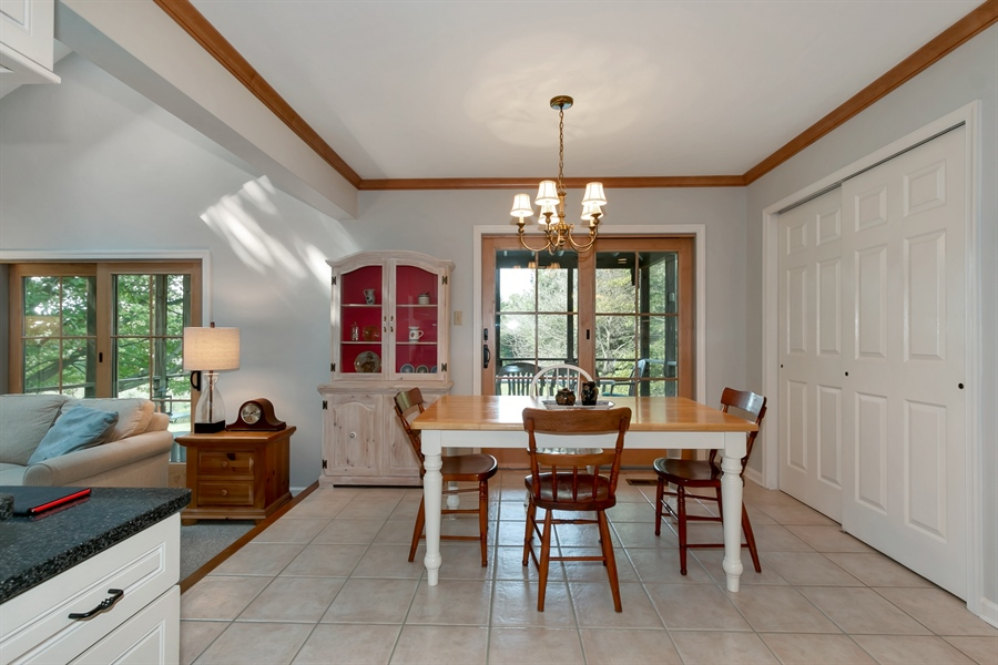 Real Estate Photography - 22 Harris Cir, Newark, DE, 19711 - Breakfast Nook