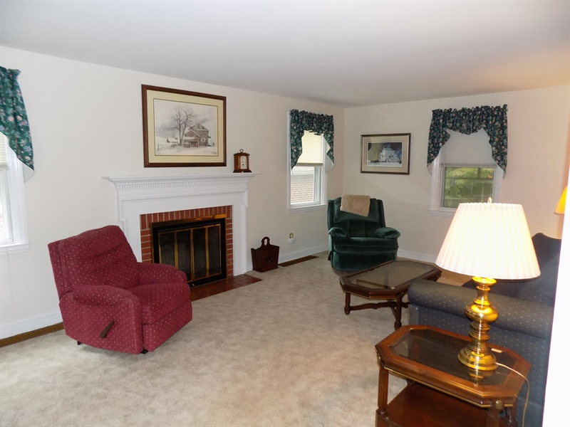 Real Estate Photography - 14 Winding Ln, Claymont, DE, 19703 - Living area
