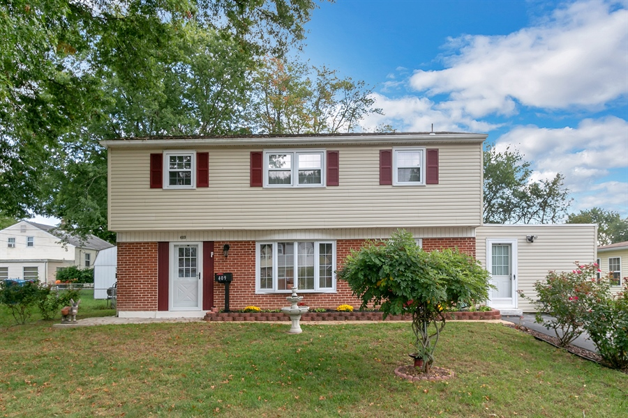 Real Estate Photography - 409 Rosewood Dr, Newark, DE, 19713 - Welcome to Pilgrim Gardens!