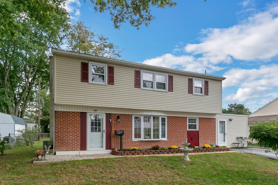 Real Estate Photography - 409 Rosewood Dr, Newark, DE, 19713 - Great curb appeal and the inside is even better!
