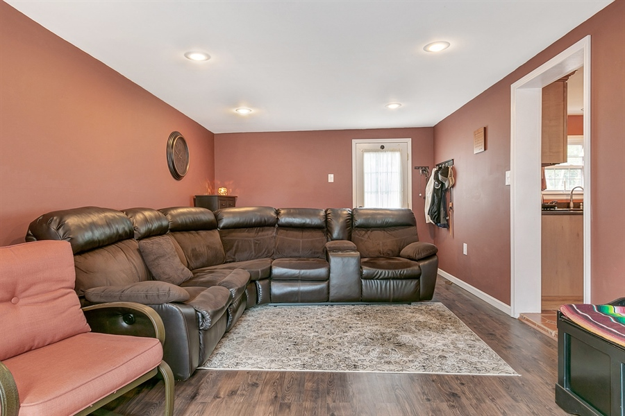 Real Estate Photography - 409 Rosewood Dr, Newark, DE, 19713 - Family Room, 20 x 12, just off the Kitchen