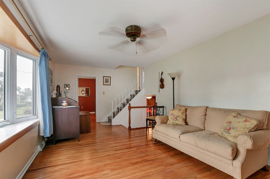 Real Estate Photography - 409 Rosewood Dr, Newark, DE, 19713 - 16 x 11, beautiful hardwood floors, bay window