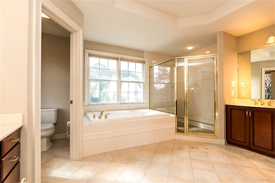 Real Estate Photography - 7 Derbyshire Way, Wilmington, DE, 19807 - Master bathroom