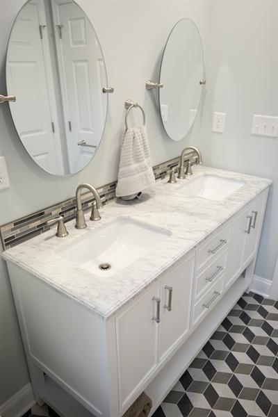 Real Estate Photography - 807 Dallam Rd, Newark, DE, 19711 - Hall Bathroom with Double Sinks