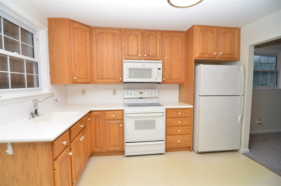 Real Estate Photography - 2384 2Nd Avenue, Boothwyn, DE, 19061 - Kitchen