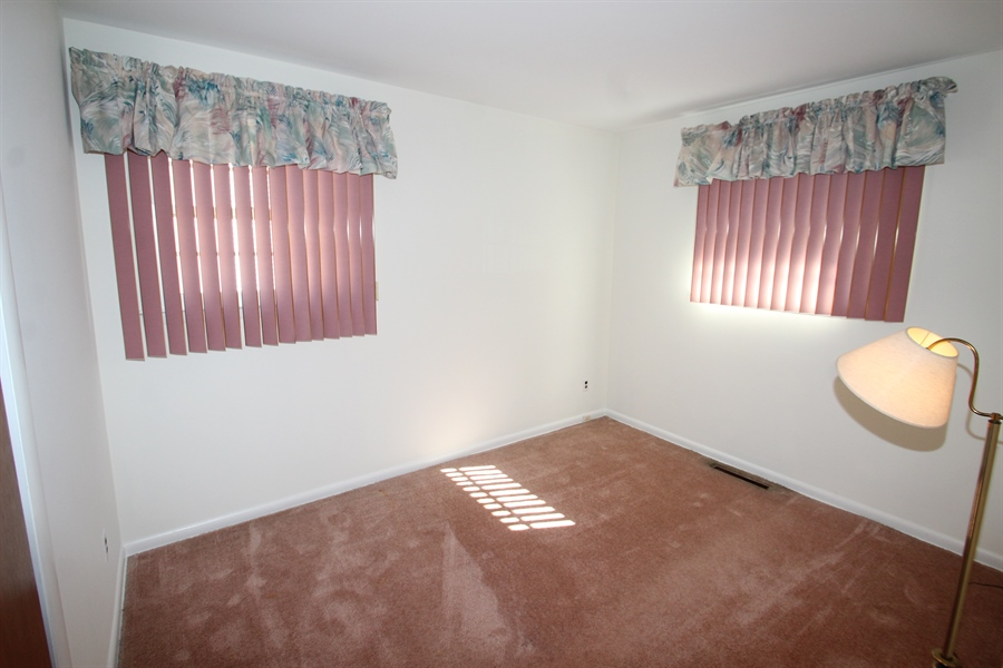 Real Estate Photography - 38 Springlake Dr, Newark, DE, 19711 - Bedroom