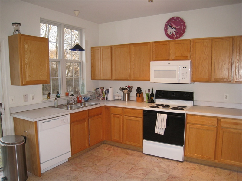 Real Estate Photography - 47 Wicklow Rd, Bear, DE, 19701 - 15 X 19 kitchen with all appliances