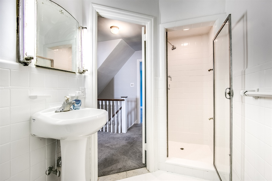 Real Estate Photography - 502 Brentwood Dr, Wilmington, DE, 19803 - Hall Bath with Separate Tub and Shower